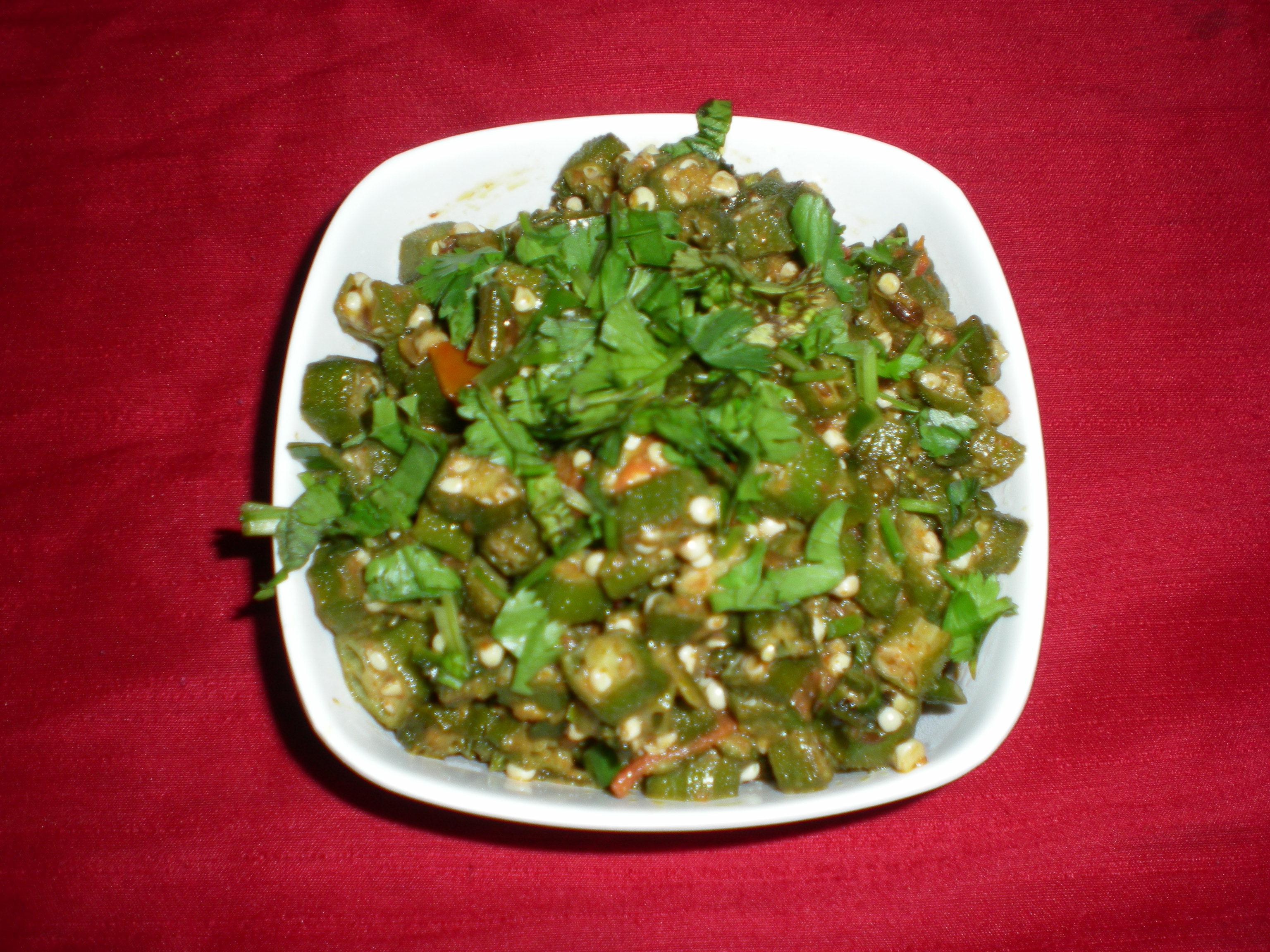 Bhindi ki Sabzi / Lady's Finger Recipe