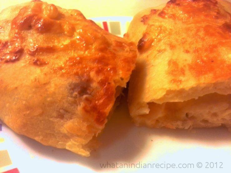Cheese-Filled Garlic Bread Recipe